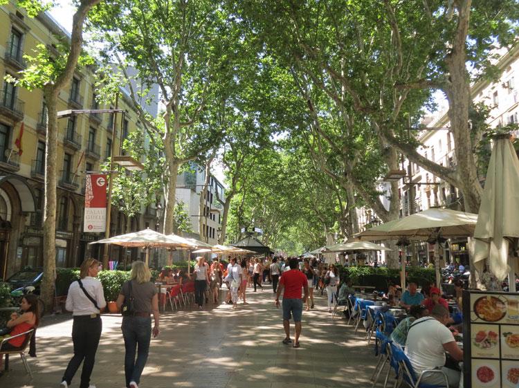 Plaça de Catalunya e La Rambla (Foto: Tati Sisti)