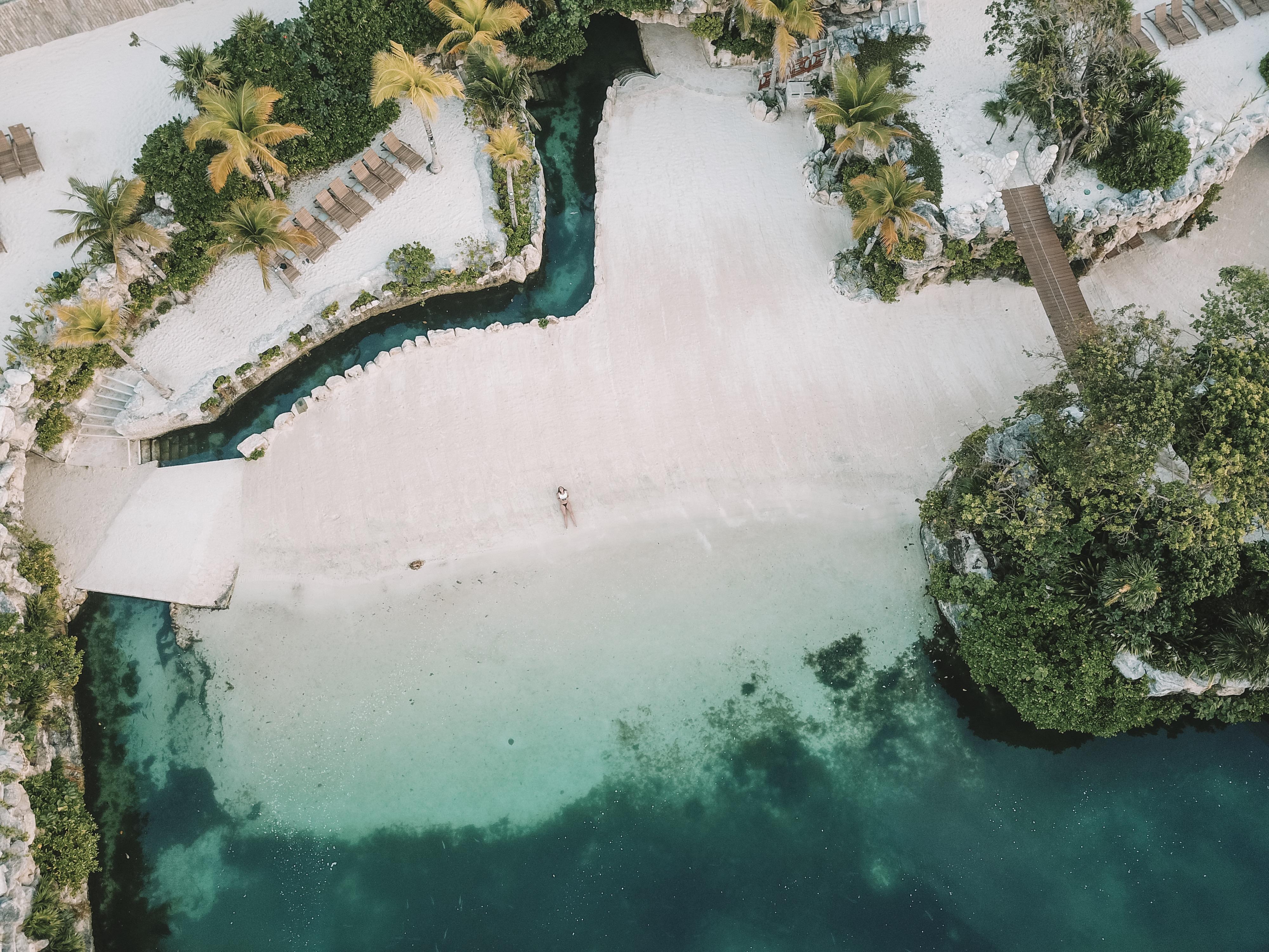 Vista de uma das praias do rio do Xcaret Hotel (Foto: Tati Sisti)