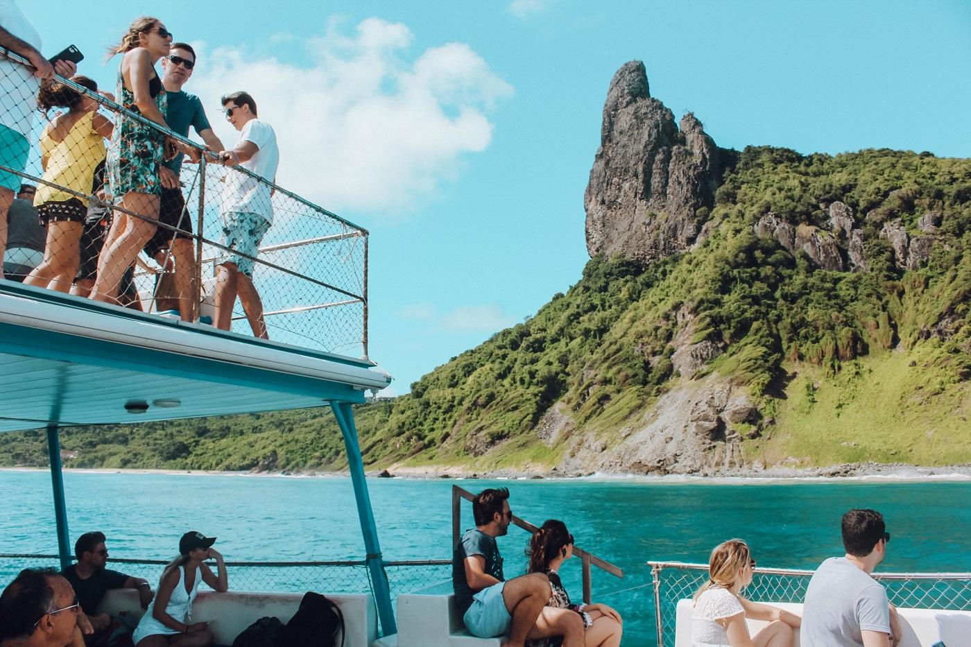 Na foto é possível ver o Morro do Pico (Foto: Tati Sisti)