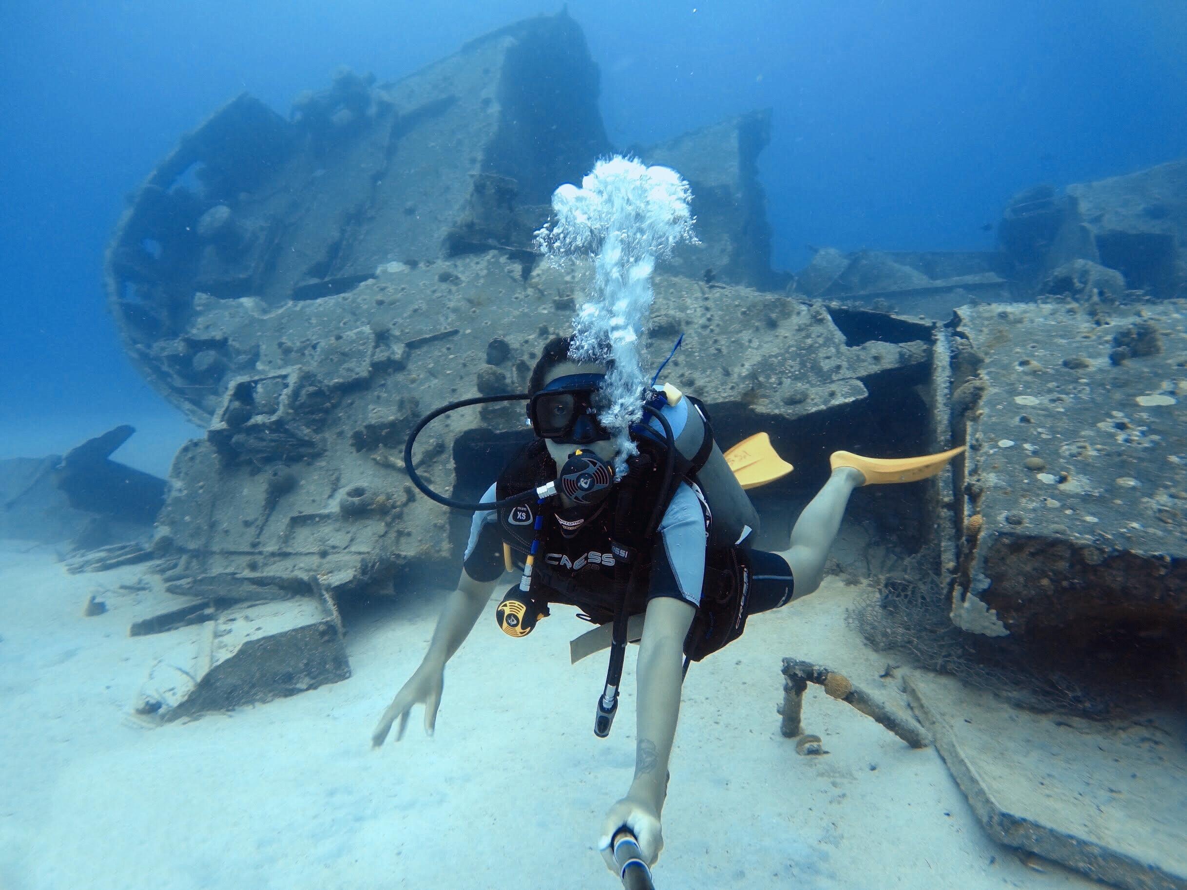 Mergulho no navio naufragado em San Andrés (Foto: Tati Sisti)