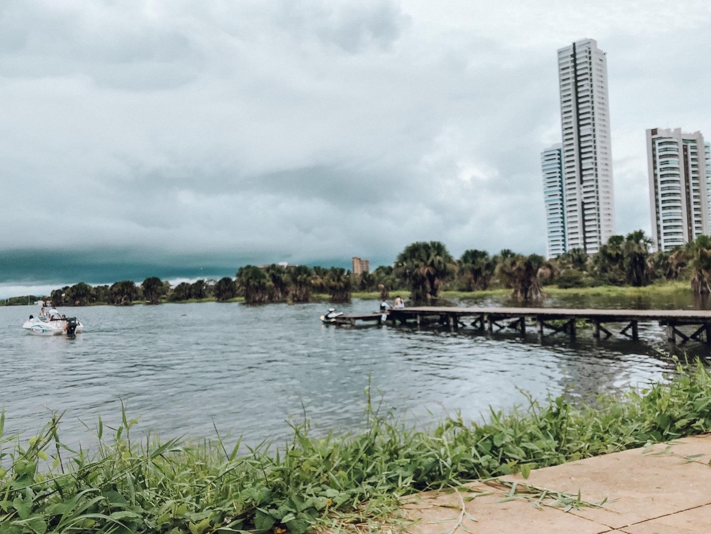 Visual da orla em Palmas, Tocantins (Foto: Tati Sisti)