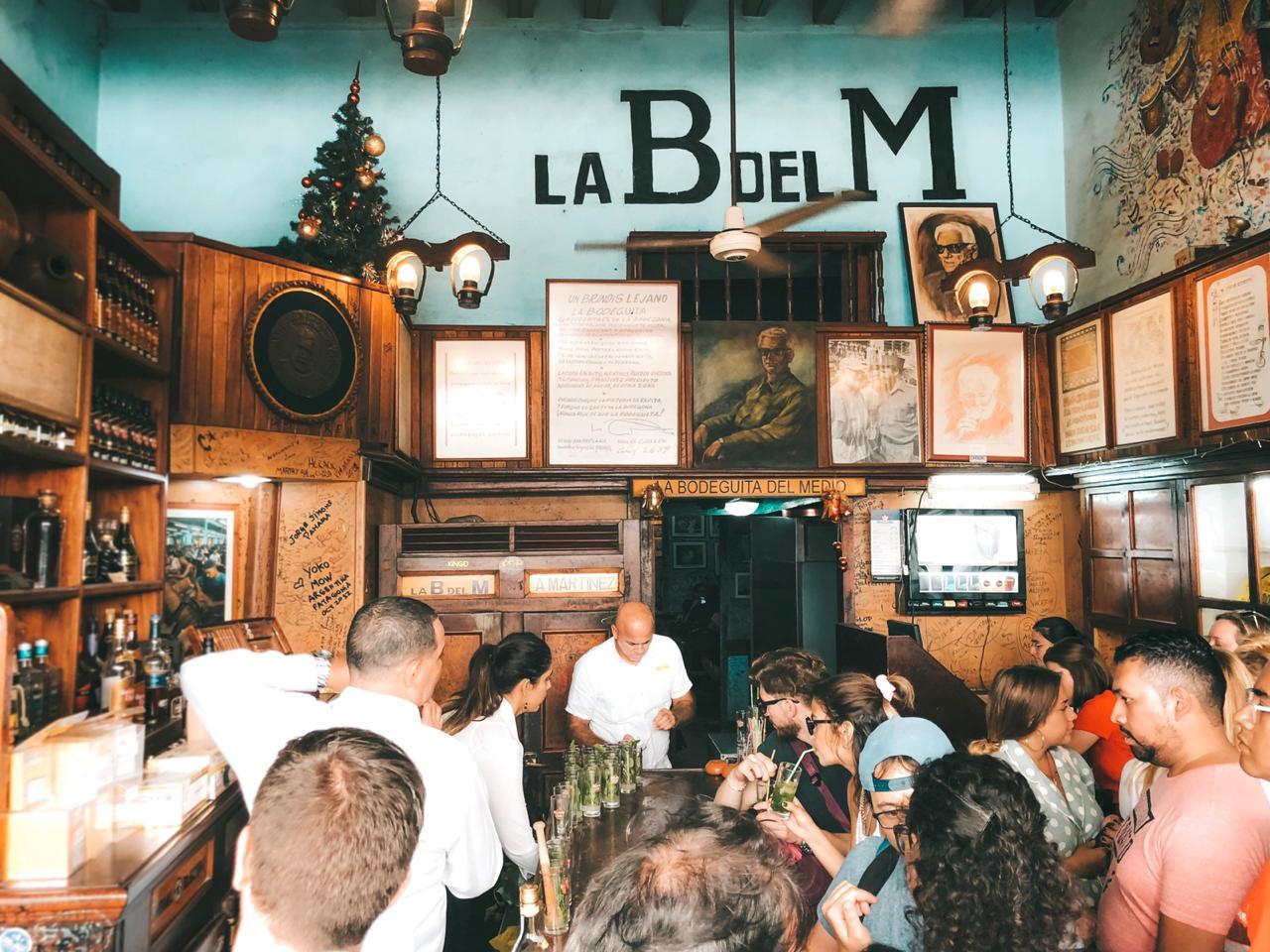 La Bodeguita del Medio, em Havana, Cuba (Foto: Tati Sisti)