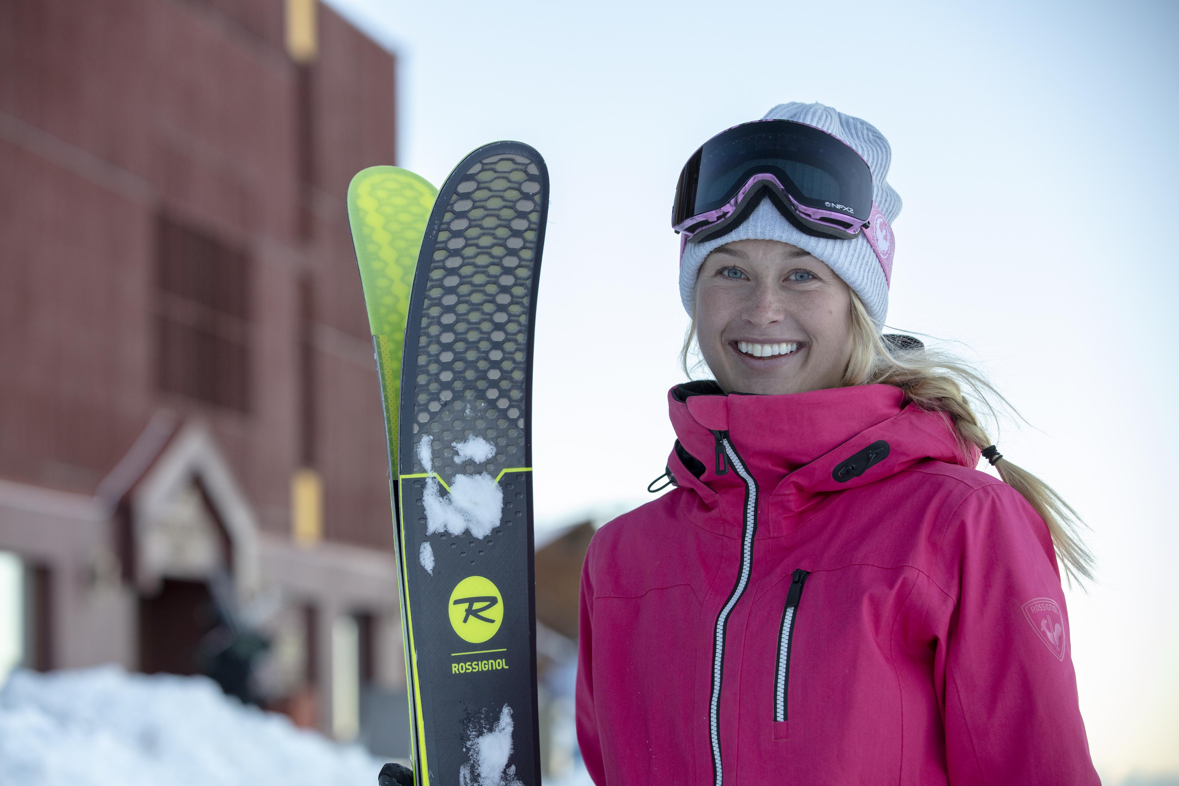 Aulas privativas de esqui e snowboard estão entre os serviços oferecidos pelo resort (Foto: Divulgação)