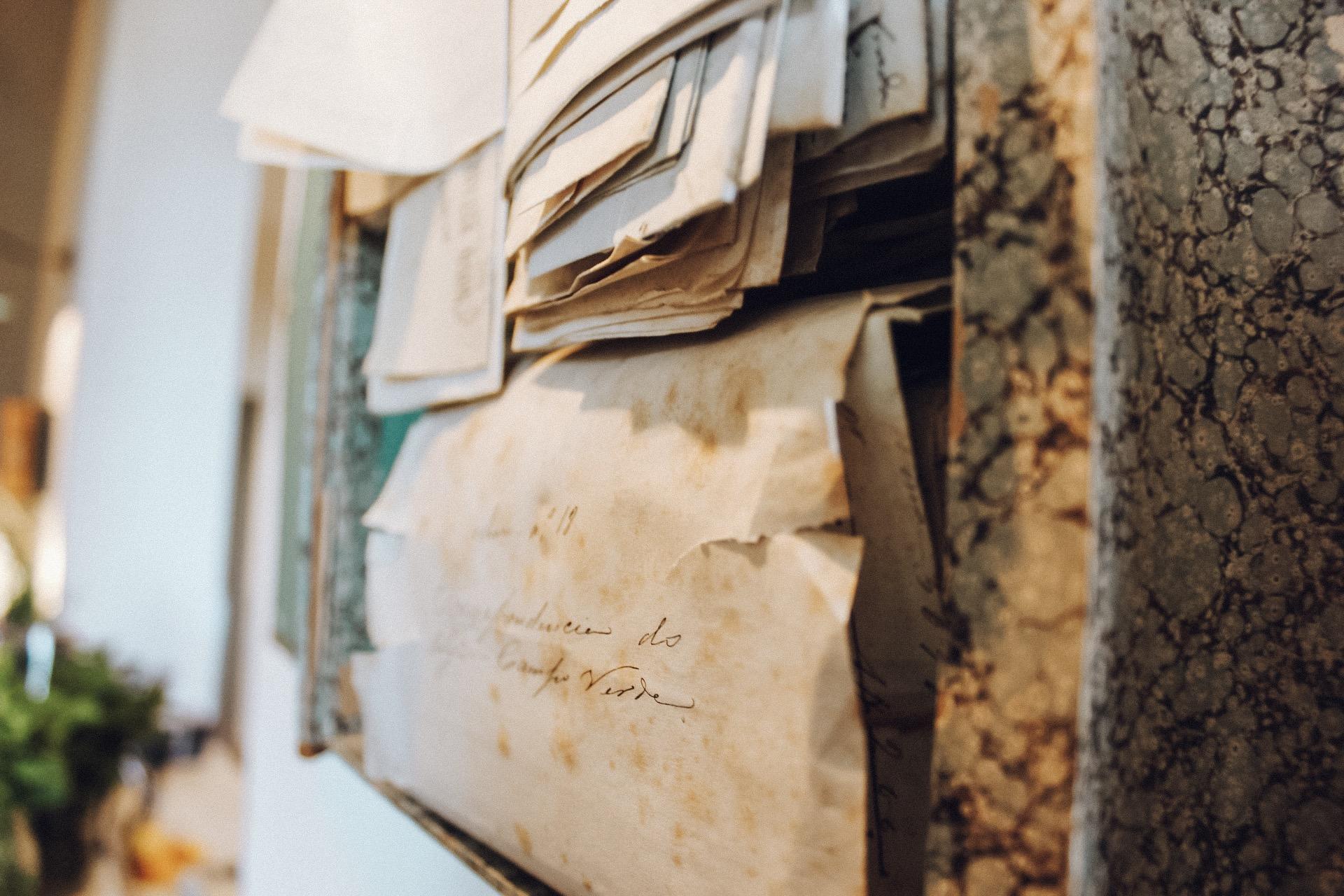 Decoração com peças antigas no São Lourenço do Barrocal (Foto: Trip To Follow)