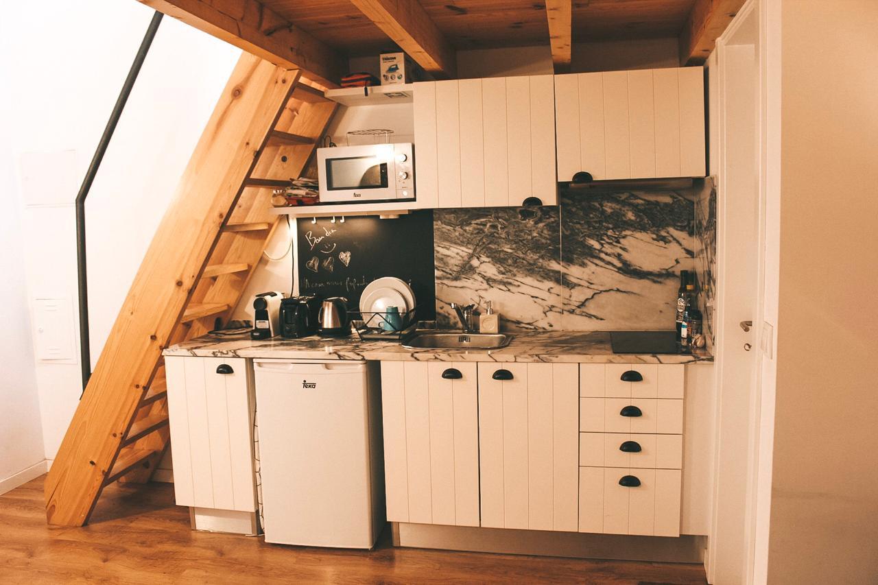 Cozinha da nossa casa do Airbnb em Lisboa (Foto: Trip To Follow)