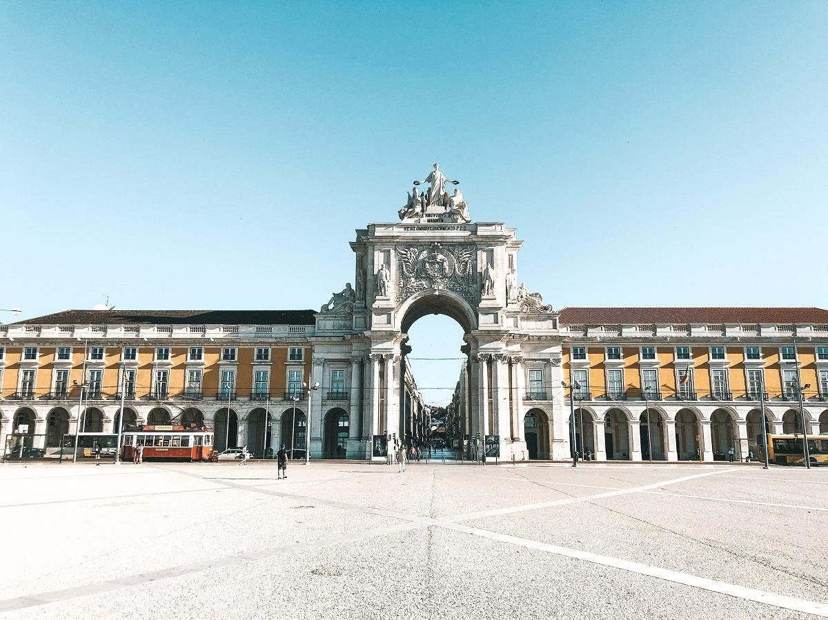 Praça do Comércio, em Lisboa (Foto: Trip To Follow)