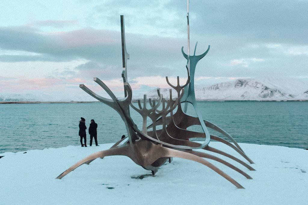 Sun Voyager, na Islândia, durante o inverno (Foto: Trip To Follow)