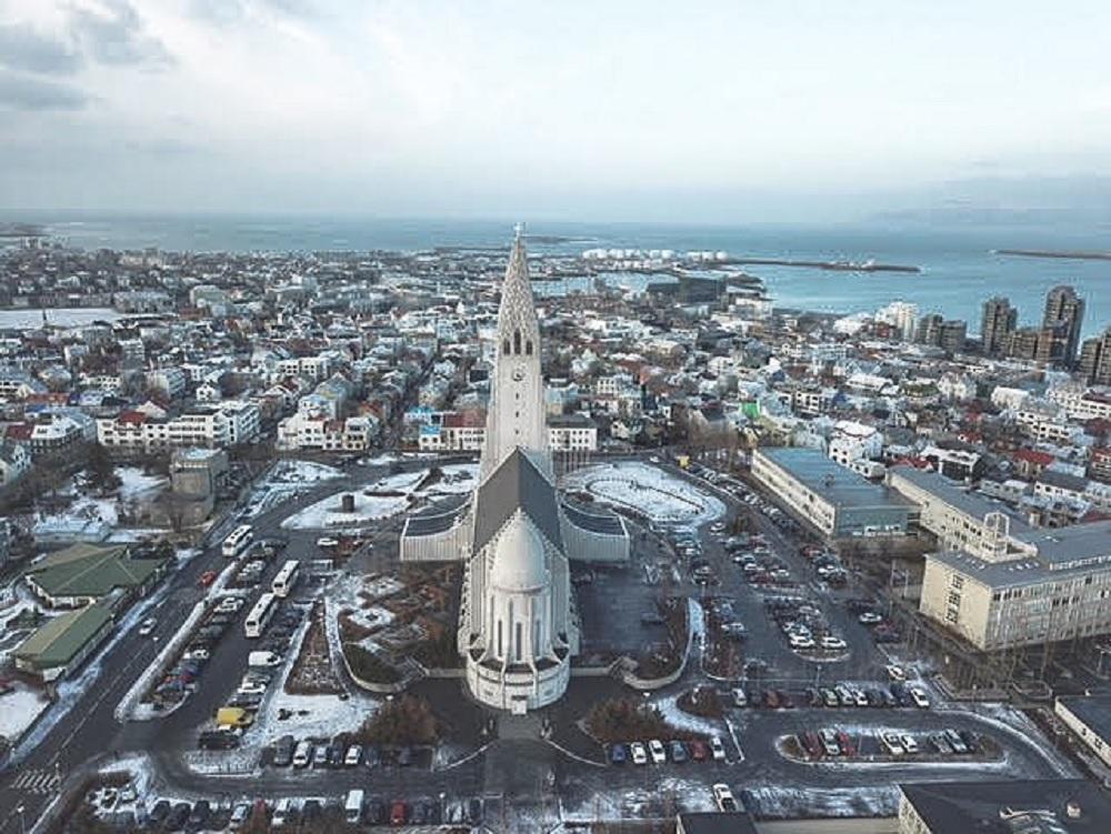Igreja Hallgrímskirkja, em Reykjavik, Islândia (Foto: Trip To Follow)