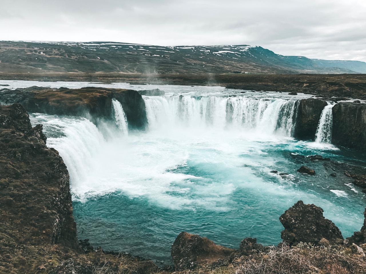 Cachoeira Goðafoss, na Islândia (Foto: Trip To Follow)