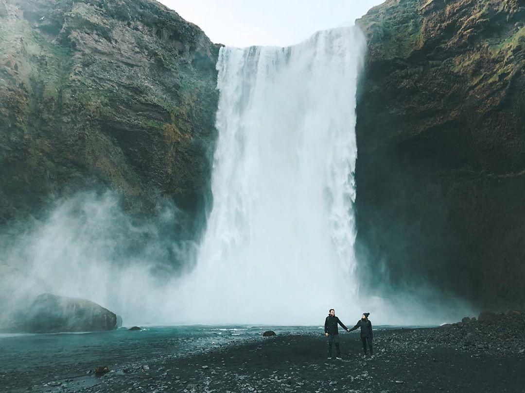 Cachoeira Skógafoss, na Islândia (Foto: Trip To Follow)