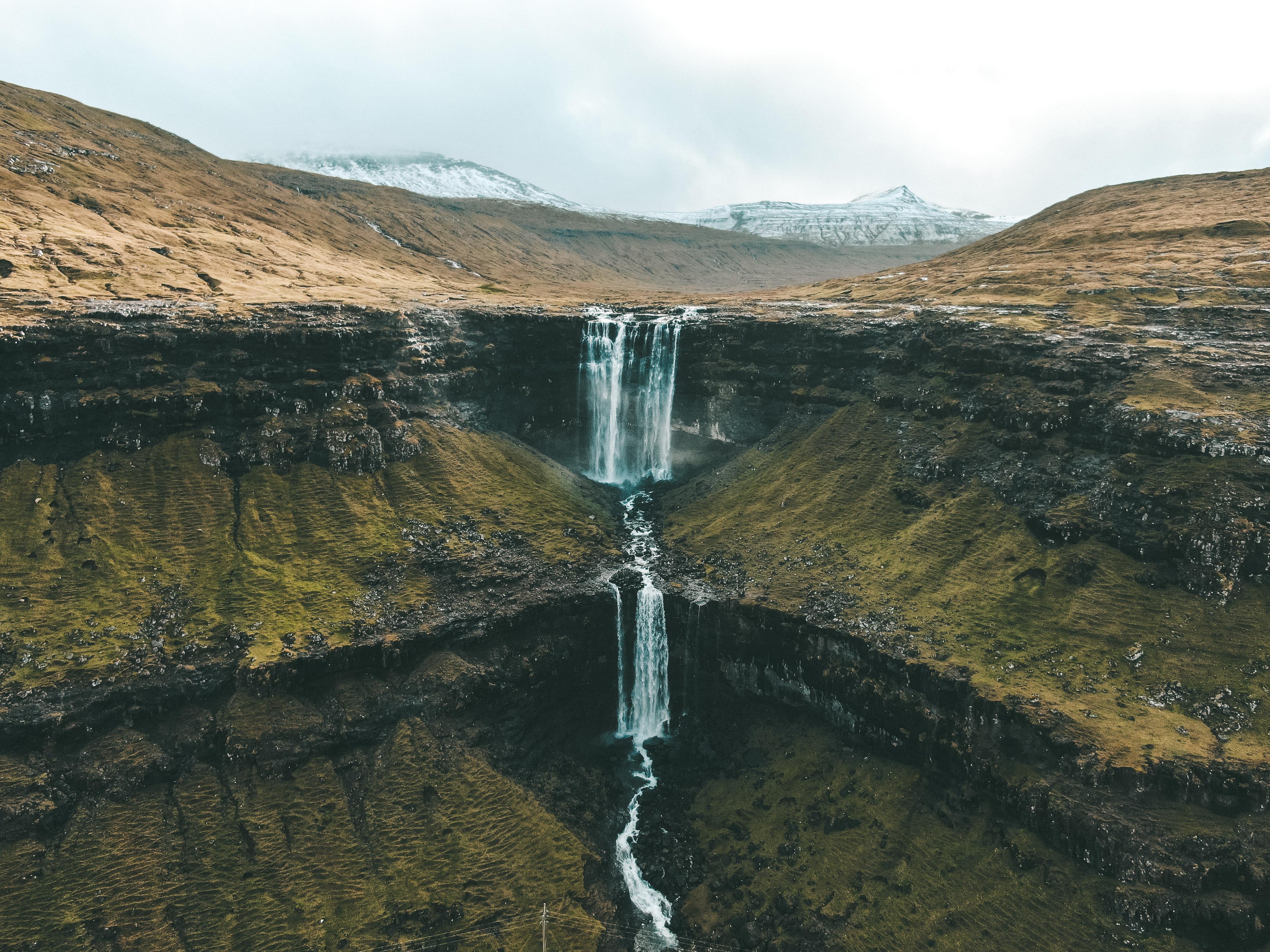 Fossá, cachoeira mais alta de Faroe Islands (Foto: Trip To Follow)