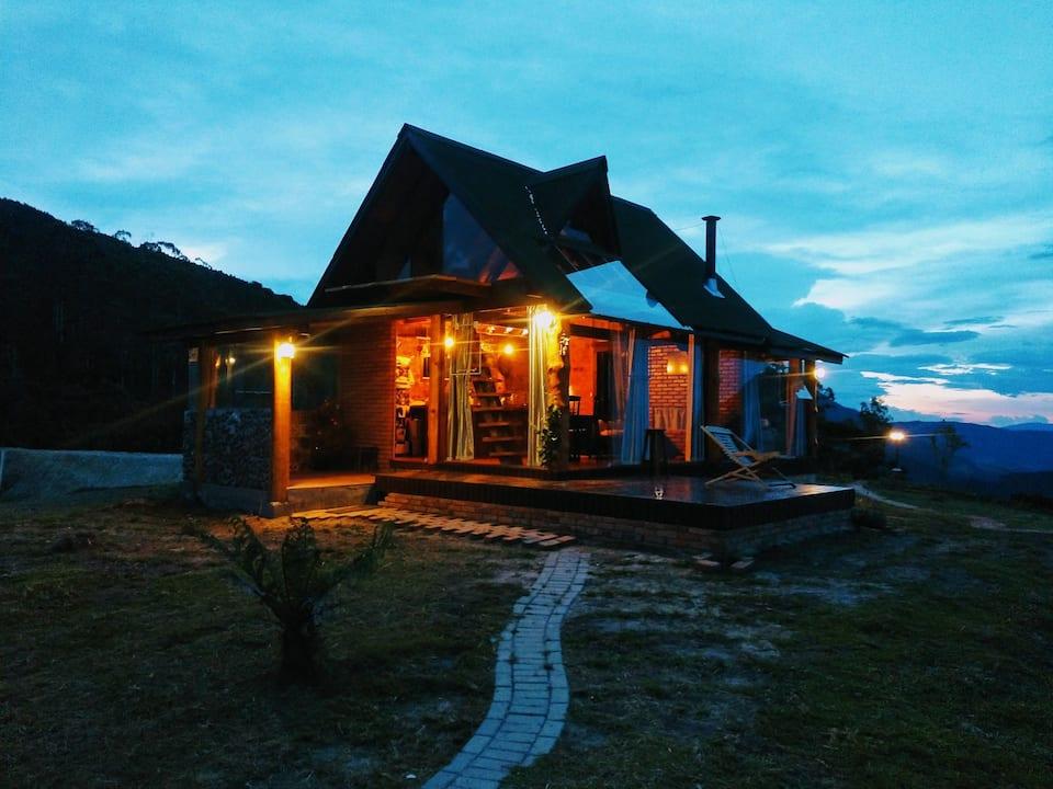Cabana de cinema - Bom Retiro, Santa Catarina (Foto: Reprodução Airbnb)