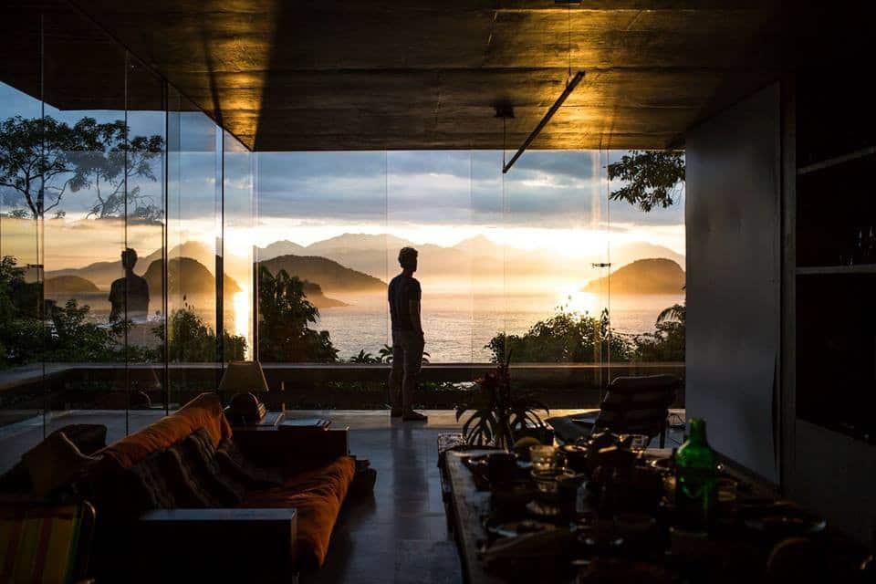 Glass house - Ubatuba, São Paulo (Foto: Reprodução Airbnb)